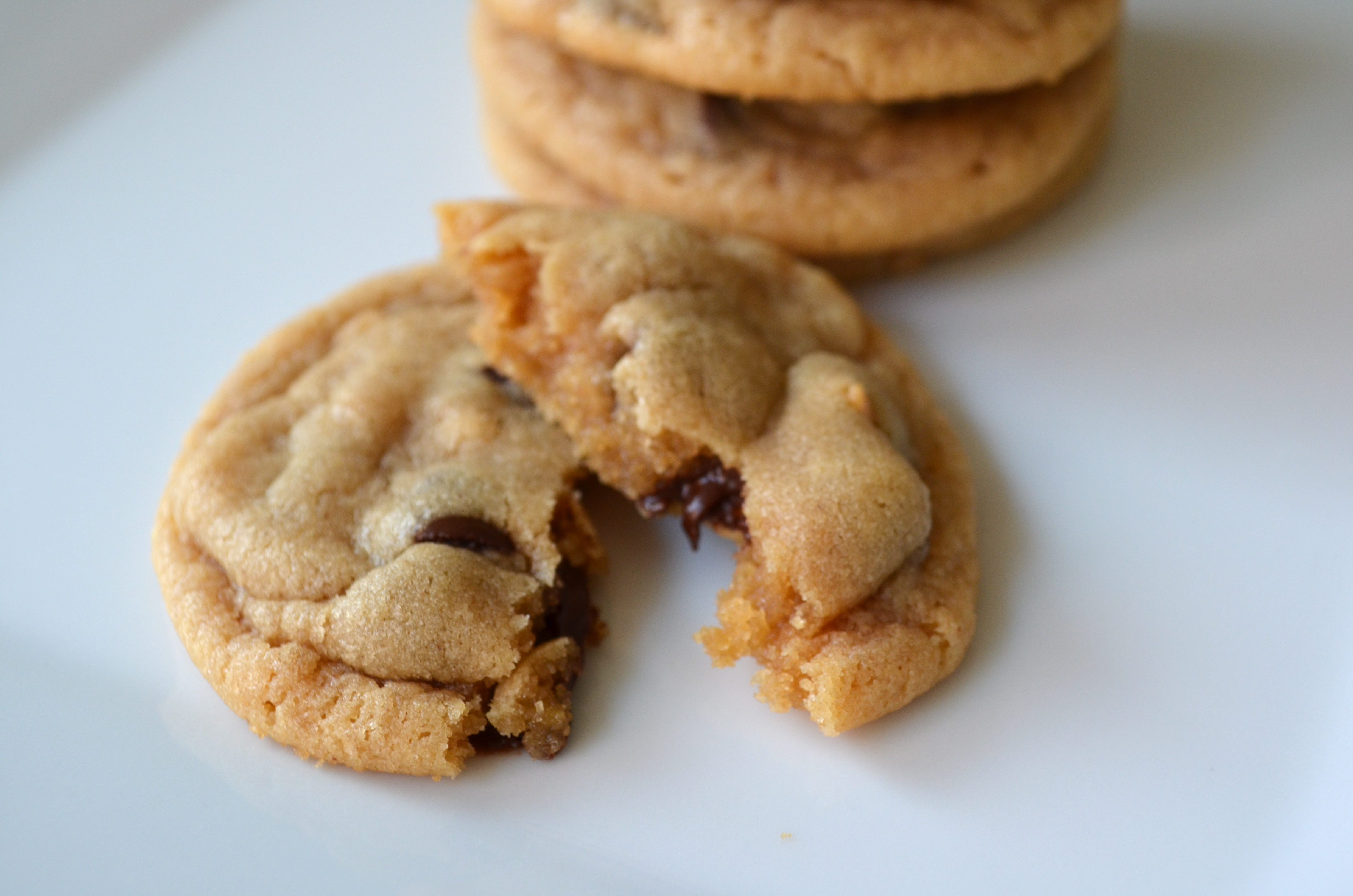recipe: chewy peanut butter chocolate chunk cookies [25]