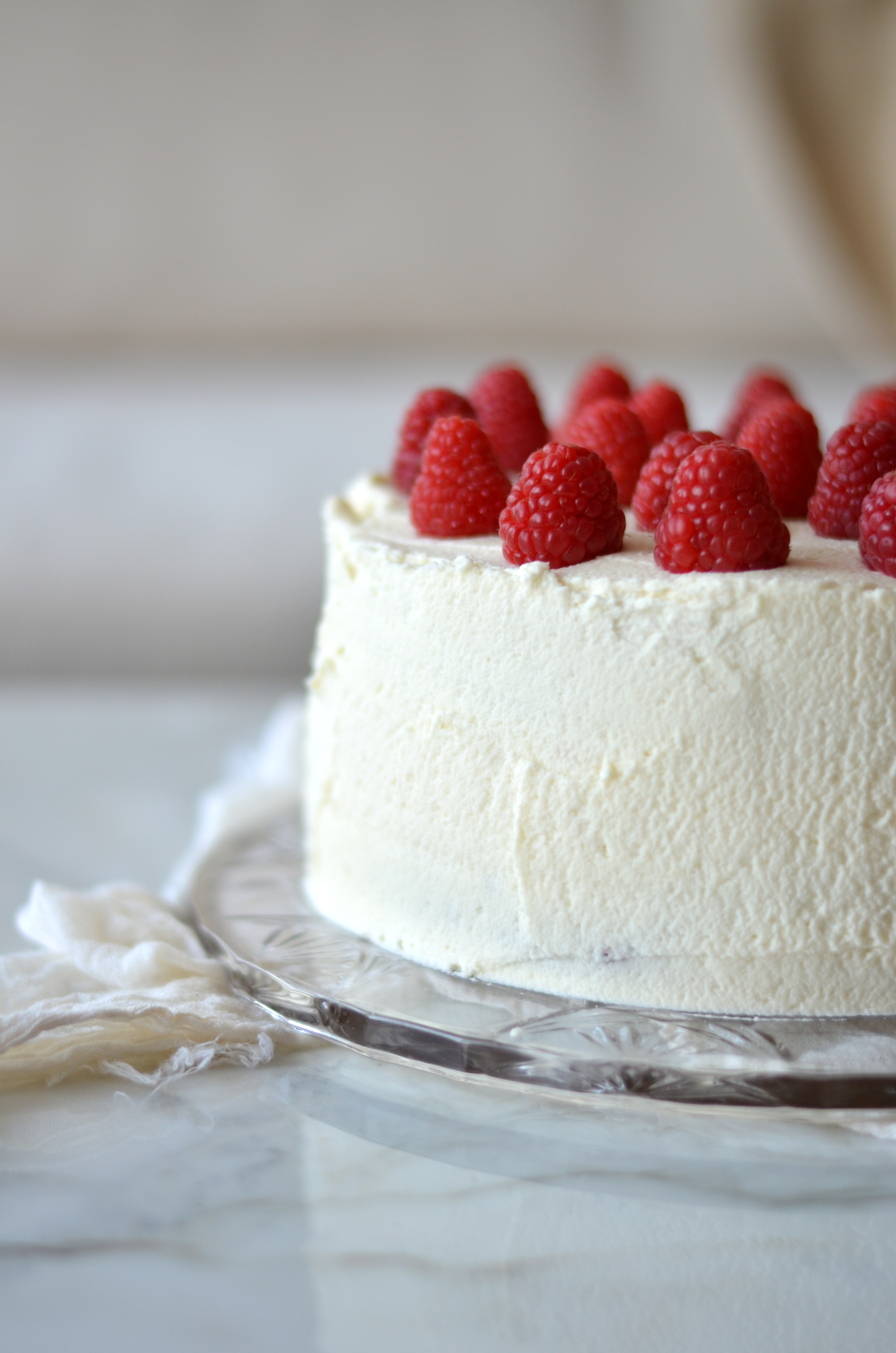 Vanilla Layer Cake with Raspberries and Mascarpone Frosting ...